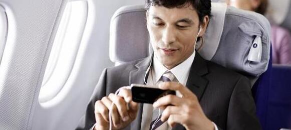 飛機上能用手機:標準就該與時...